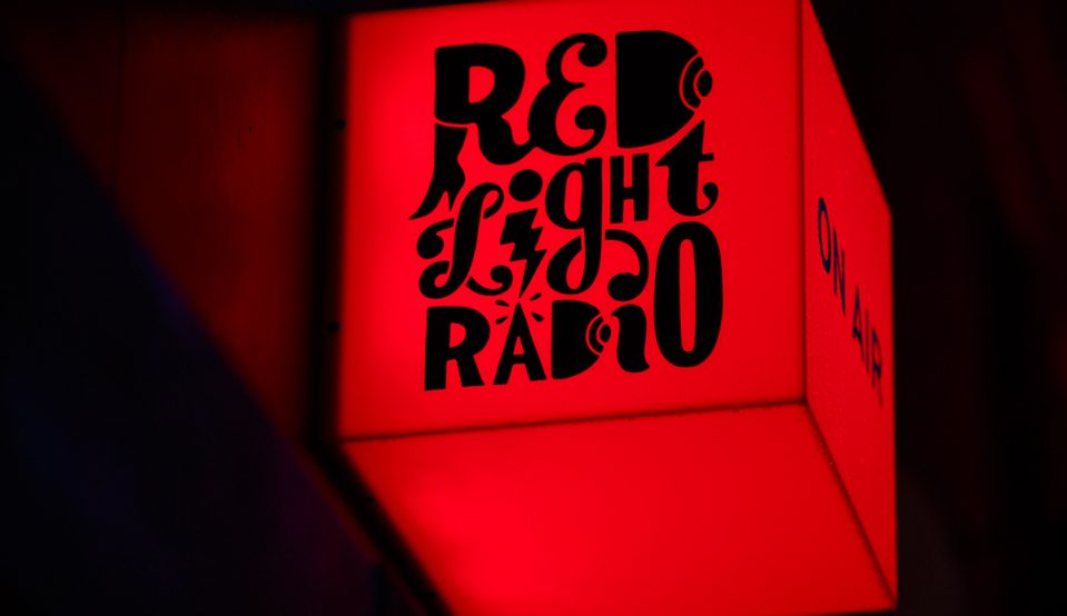 Red Light Radio x Hen's Teeth